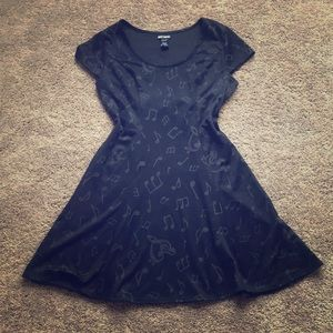 Hot topic music note dress with corset style back